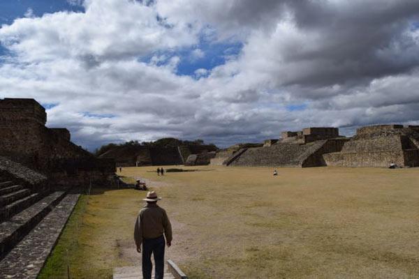 Wayne-Branum-Oaxaca-Buildings-2