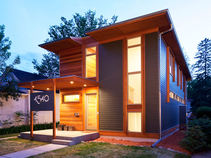 Urban green achieving a bold house number sala for Urban minimalist house