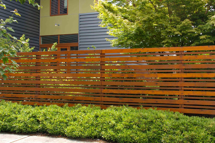 Architecture Vogue: Horizontal Wood Plank Fencing